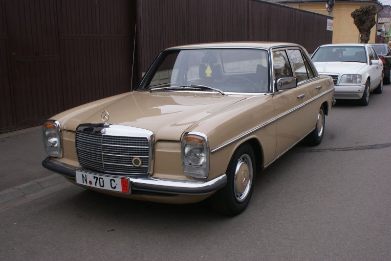 Mercedes-Benz 200 (Typ115)